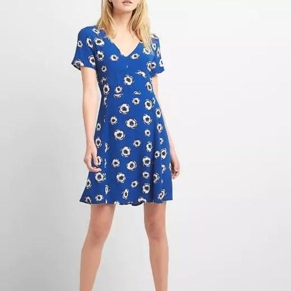 5bdf99407b NWT GAP Short Sleeve Fit   Flare Dress Floral 12